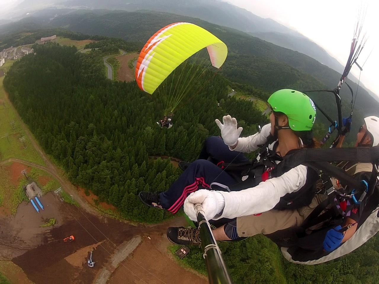 スキージャム勝山でタンデムフライト【2人乗り遊覧飛行】